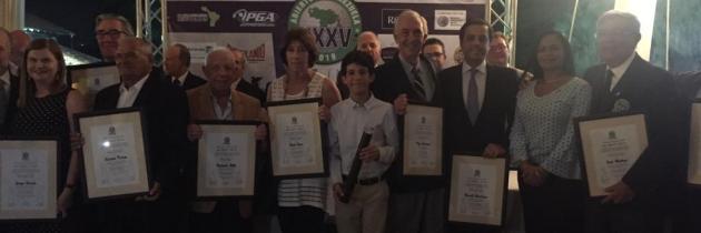 FVG homenajeó a personalidades con el reconocimiento al mérito