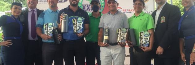 Equipo del profesional Richard Rojas campeón del ProAm Copa Aquafit